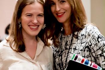 Paloma Díaz Soloaga con una de las asistentes