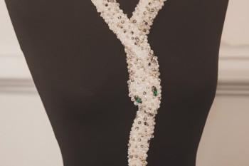 Collar en forma de serpiente de la firma Johan Luc Katt en la Feria Moda Vintage Madrid. Foto Arturo Resel.
