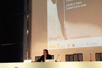 Juan Gratacós durante su conferencia en las IX Jornadas del Museo del Traje