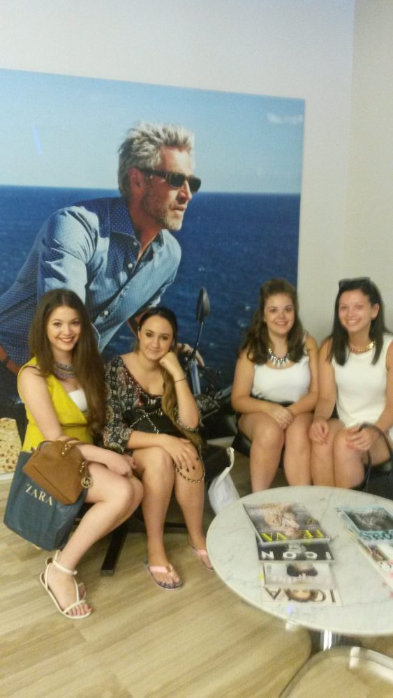 Rebecca de Escocia, Patricia de Luxemburgo, Jennifer y Chiara de Escocia en las oficinas de Mirto, Madrid
