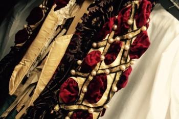 Detalle de prendas de las colecciones del Museo del Traje, Madrid