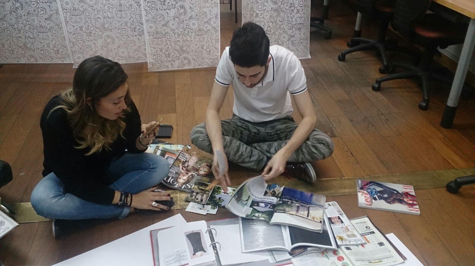 Alumnos de la 3ª promoción del posgrado Fashion Trends Analysis trabajando con moodboards.