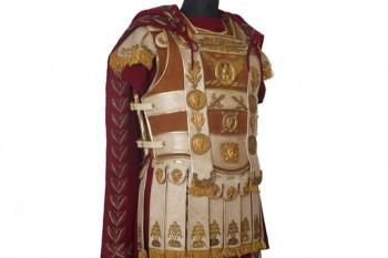 Armadura, túnica y manto de Marco Antonio.