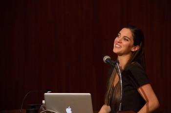 Leonor Silva durante su intervención