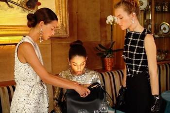 """Imagen del fashion """"Une Incroyable Excuse"""" by Mytheresa, de la marca Balenciaga, octubre 2015."""