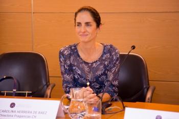 Carolina Herrera de Baez durante el encuentro con alumnos y Paloma Díaz Soloaga, directora de CGM