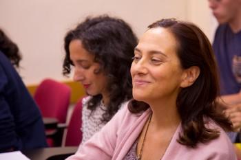 Marian Vizcaíno, profesora de CGM, durante el encuentro