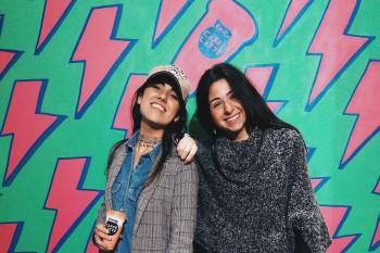 Mónica y María, del Diploma en Comunicación y Gestión de Moda de Villanueva.