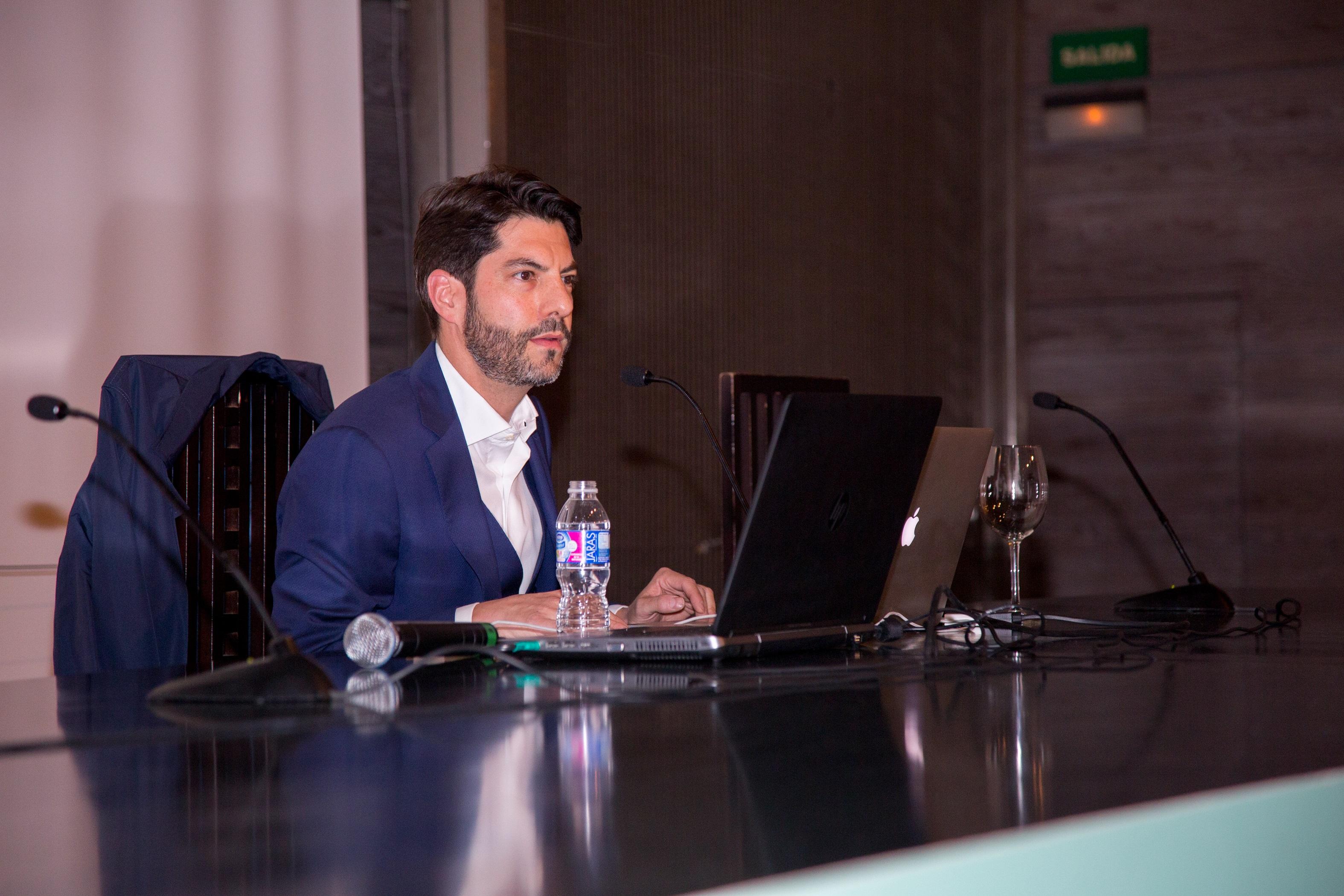 Carlos Magro, de Interbrand, durante su ponencia