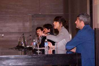 Pilar Riaño de Modaes.es moderando una mesa redonda