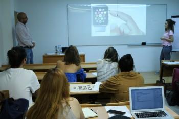 Alumnos durante la clase