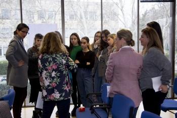 Asistentes participando en el Taller de Emprendimiento