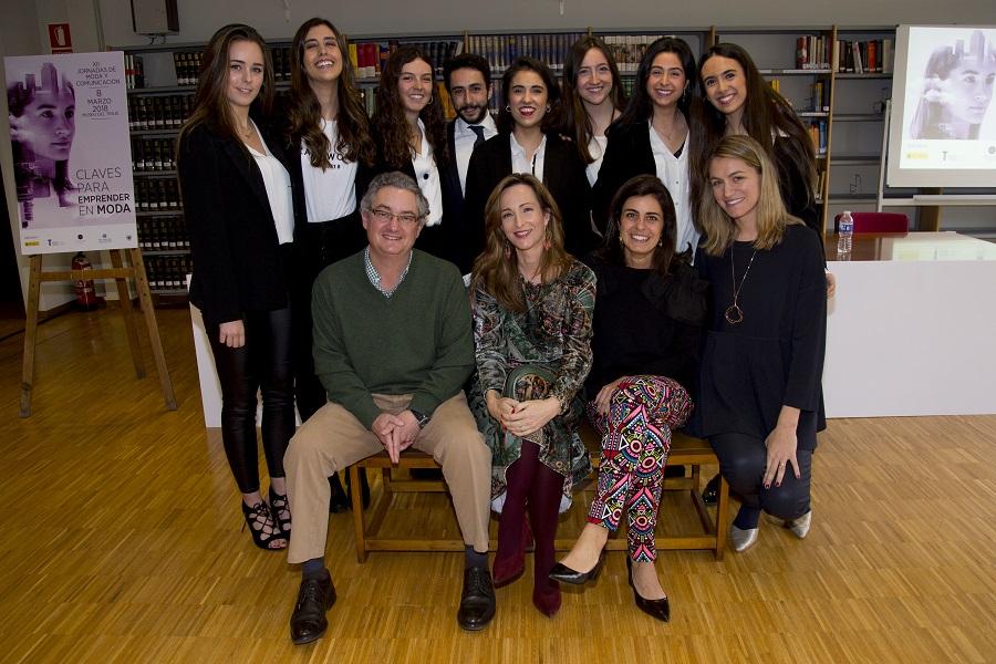 Javier de Rivera, equipo de CGM y alumnos
