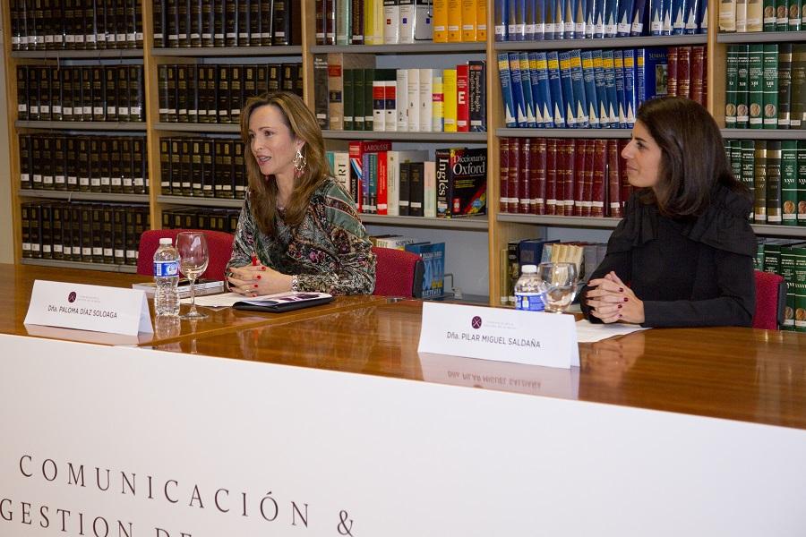 Paloma Díaz Soloaga y Pilar Miguel durante la presentación de la Jornada