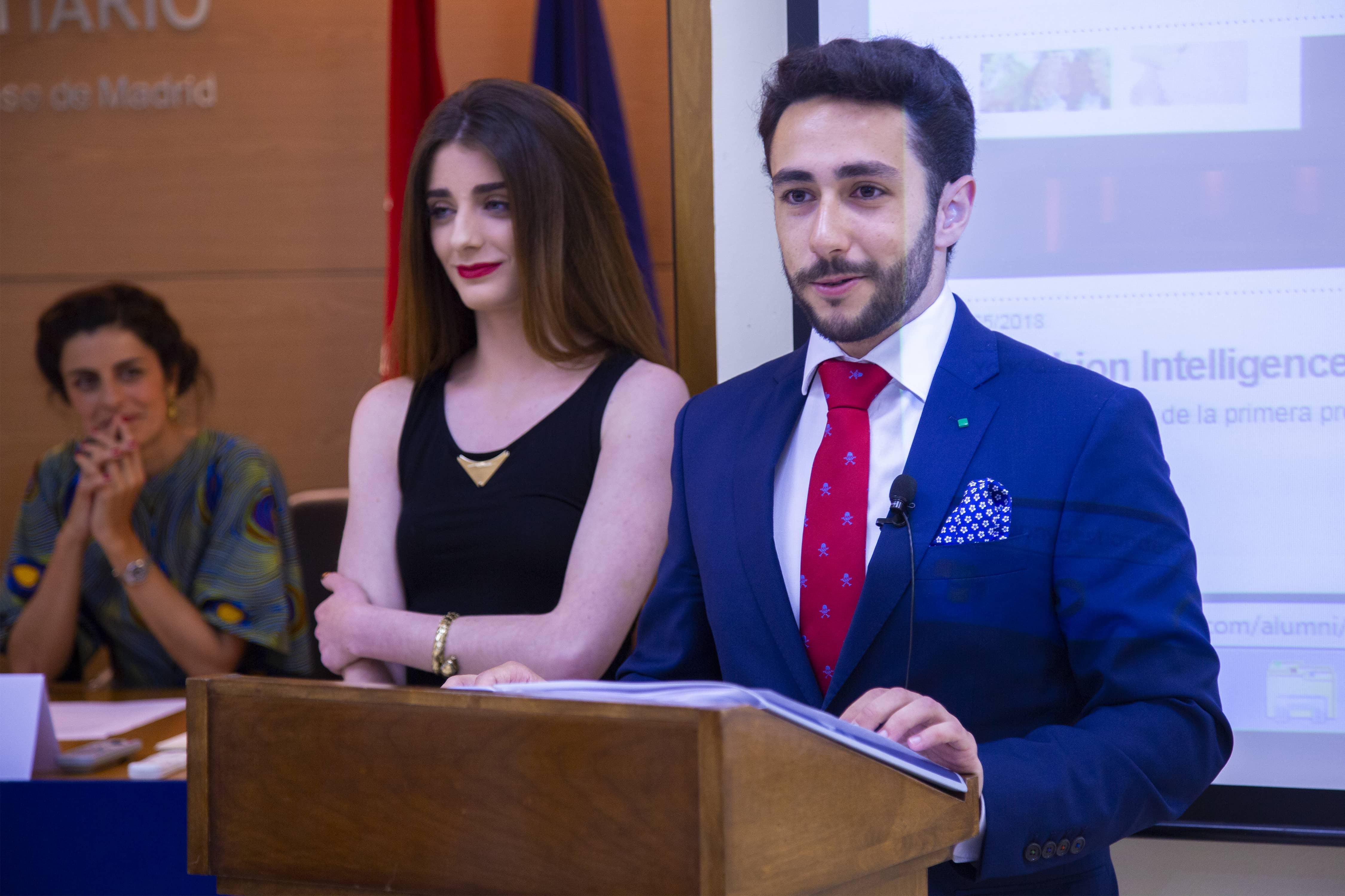 Marta Gil y Pablo Alarcón durante el discurso