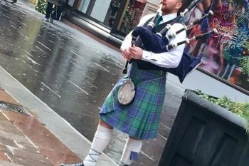 Gaitero en Glasgow