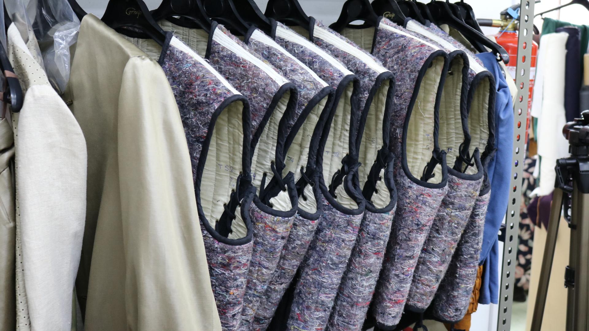 Piezas de ropa en Sastrería Cornejo