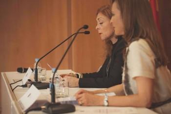 Charo Mora, invitada de honor de la graduación junto a Paloma Díaz Soloaga, Directora Honorífica de CGModa