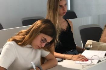 Alumnas españolas en el curso de FRS
