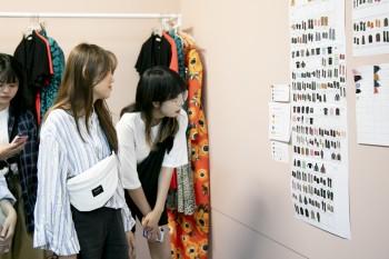 Estudiantes Coreanas en el dept.de diseño de Dolores Promesas