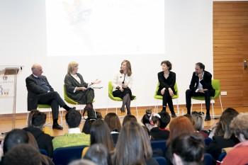 Mesa redonda con Humberto Cornejo, Marita Caballero, Helena Sanchís y Eloy Martínez de la Pera, moderada por Paloma Díaz Soloaga