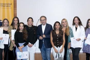 Alumnos de la X Promoción de CGModa con Roberto Verino.