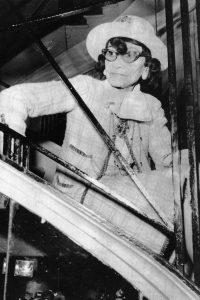 Coco Chanel con su icónico collar de perlas. ©Pinterest