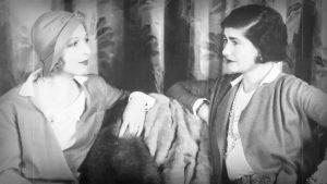 Ina Claire una de las protagonistas de Las Tres Rubias (Lowell Sherman, 1932) y Cocó Chanel